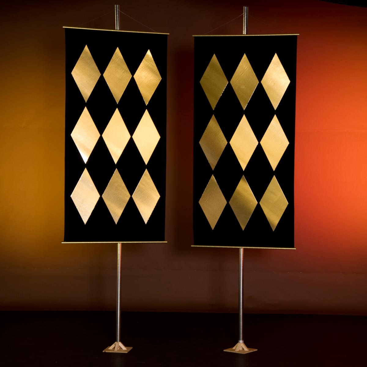 Gleaming Harlequin Banners Kit (set of 2)