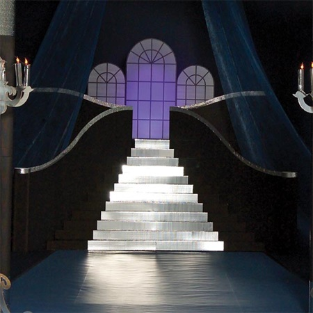 Grandeur Staircase with Windows Kit