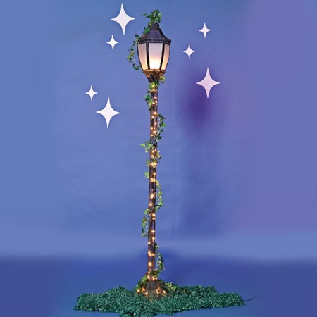 Corrugated Lamppost with Ivy, Stars & Grass Mats
