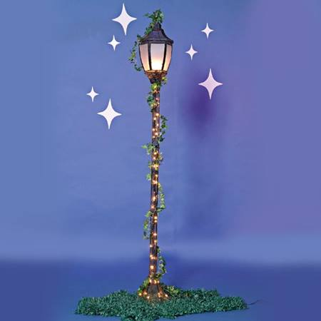 Lamppost with Ivy, Stars & Grass Mats